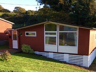 3 Bedroom Chalet, sleeps 6, Pet Friendly, Happy Valley near Tywyn/Aberdovey - Tywyn vacation rentals