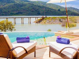 Villa Serena, situated in peaceful environment with spectacular views! - Sao Bartolomeu de Messines vacation rentals