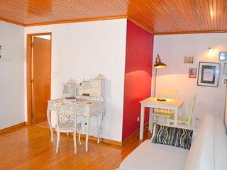 Casinha do Largo, Alfama Lisbon Apartment - Lisbon vacation rentals