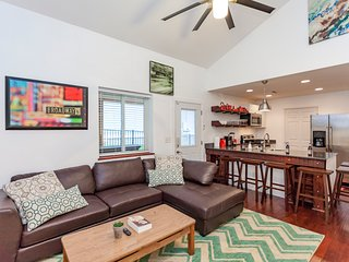 Trendy and Fun Downtown Three Bed Modern Home close to Farmers Market + Broadway - Nashville vacation rentals