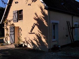 """La Chaume, THOU : gite rural """"le Chezal"""" pour 6-8 personnes - Vailly-sur-Sauldre vacation rentals"""