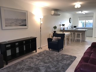 Nice 2 bedroom Apartment in Australind - Australind vacation rentals