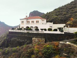 Beautiful Villa with Internet Access and Tennis Court - El Madronal vacation rentals