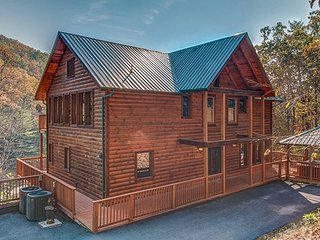 Nice Cabin with Fireplace and Grill - Sevierville vacation rentals