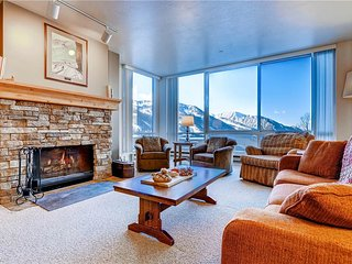 Beautiful Condo with Mountain Views and Parking - Alta vacation rentals