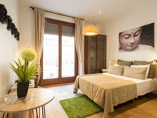Modern studio with balcony in the historical center. - Malaga vacation rentals