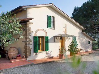 Casa Anita - Podere Zollaio - great views, swimming pool, wifi - Vinci vacation rentals