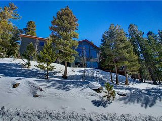 Nice House with Deck and Internet Access - Estes Park vacation rentals