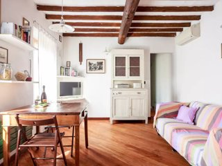 Cute apartment in the historic inn - Modena vacation rentals