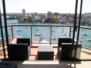 A private Ensuite Queen Room at Harbour Front - uninterrupted harbour view - Milsons Point vacation rentals