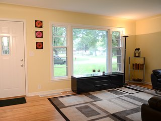 4 bedroom House with Internet Access in Brooklyn Center - Brooklyn Center vacation rentals