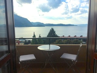 Beautiful 1 bedroom Arizzano Apartment with Internet Access - Arizzano vacation rentals