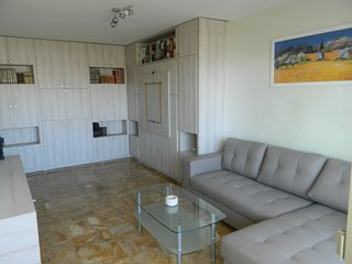 studio avec véranda 4 couchages - Cagnes-sur-Mer vacation rentals