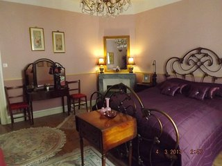 l'Hirondelle, ground floor apartment for 2 people - Issoire vacation rentals