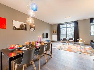 Smartflats Bella Vita 202 - Duplex 2 bedrooms + Garden - Center - Waterloo vacation rentals