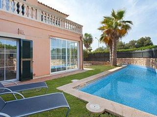 Perfect 4 bedroom Puig de Ros Villa with Internet Access - Puig de Ros vacation rentals