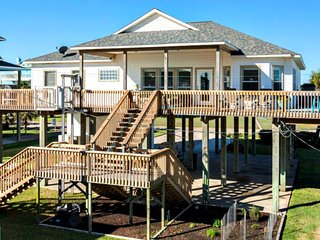Chic Treasure Island Beach Home, Wraparound Views - Freeport vacation rentals