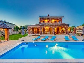 Perfect 4 bedroom Villa in Visnjan with Deck - Visnjan vacation rentals