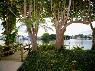 """ The Heron"" Waterfront Luxury Vacation Rental. Escape the cold. - North Palm Beach vacation rentals"