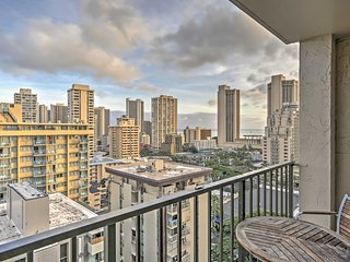 Honolulu Studio One Block from Waikiki Beach! - Honolulu vacation rentals