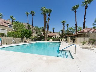 2BR, 2.5BA Mesa Townhouse w/ Pool, Spa and Fitness near Lykken Trail - Palm Springs vacation rentals