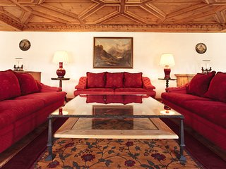Luxury 3 Bedroom apartment in the town center - Saint Moritz vacation rentals