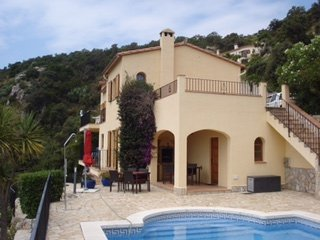 Fabulous Villa with Large pool and Great Views - Calonge vacation rentals