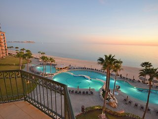 Sonoran Sea, 511W - 1BD/1BA - UNOBSTRUCTED OCEAN & OLD PORT VIEWS - 5th Flr - Puerto Penasco vacation rentals