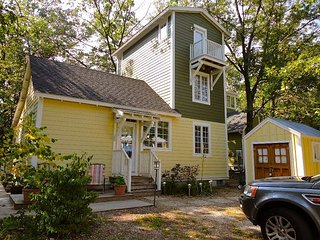 Charming Kid Friendly Cottage by Park 2/2 Sleeps 7 and includes golf cart - Michigan City vacation rentals