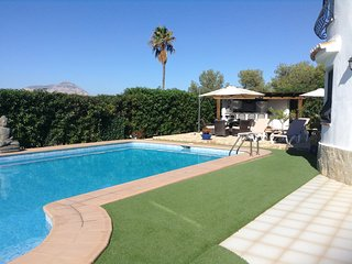 Comfortable Villa with Deck and Internet Access - Benitachell vacation rentals