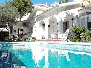 Detached villa with private pool just 1,5 klm to beach and 20 klm from airport. - Benagalbon vacation rentals