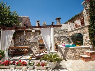 Apartment Tudor on Island of Šolta - Solta vacation rentals