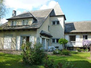 Maison très spacieuse et confortable à ARGELES GAZOST - Argelès-Gazost vacation rentals