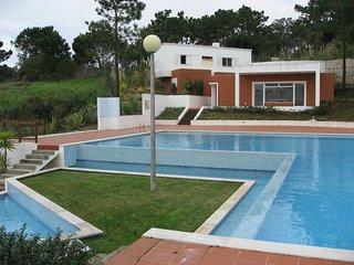 Charm Nature and Sea Foz do Arelho Nadadouro Beach - Foz do Arelho vacation rentals