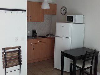 Adorable 1 bedroom Condo in Saint-Nazaire with Housekeeping Included - Saint-Nazaire vacation rentals