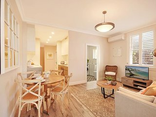 Perfect Location For Manly, Easy CBD Ferry CRES1 - Rozelle vacation rentals