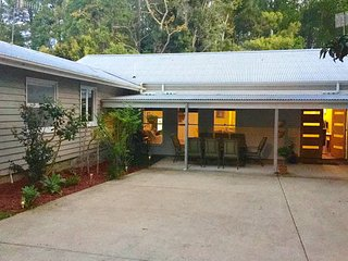 Ttropical Raffles, Noosa District.  Dog Friendly. - Tewantin vacation rentals