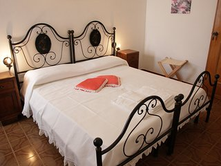 Domu e Luna Bed & Breakfast - Lunamatrona vacation rentals