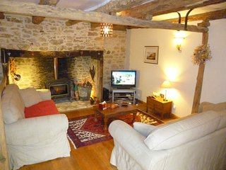 La Ferme, stunning views, heated pool , large gardens, WIFI, - Sarlat-la-Canéda vacation rentals