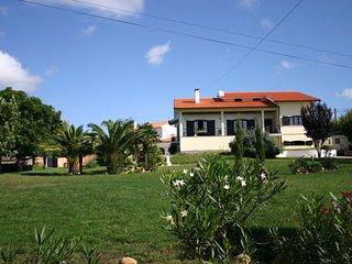 Appartement en demi sous-sol dans une villa sur un terrain arboré de 2000m2 - Agueda vacation rentals