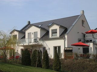 Großräumige helle 4 * Fewo direkt am Golfplatz - Goehren-Lebbin vacation rentals