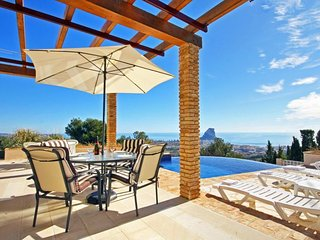 Nice 4 bedroom Villa in Calpe with Internet Access - Calpe vacation rentals