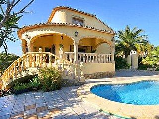 Nice 4 bedroom Villa in La Llobella - La Llobella vacation rentals