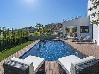 Nice Villa with Television and Microwave - La Llobella vacation rentals