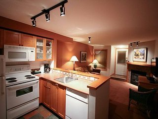 59 Glaciers Reach this 2br home has a hot tub & pool in Whistler Village - Whistler vacation rentals