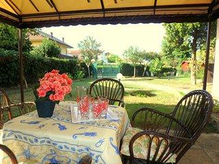 Villa Elena: Porzione di villetta in residence con piscina a Lido degli Scacchi. - Lido degli Scacchi vacation rentals