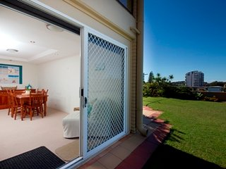 Lovely 2 bedroom Forster Apartment with Balcony - Forster vacation rentals