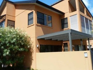 Cozy 3 bedroom House in Forster with A/C - Forster vacation rentals