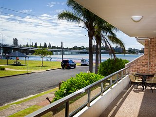 Lovely 2 bedroom Apartment in Tuncurry - Tuncurry vacation rentals