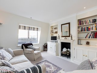 Covent Garden: Bright and Charming 2bed flat - London vacation rentals